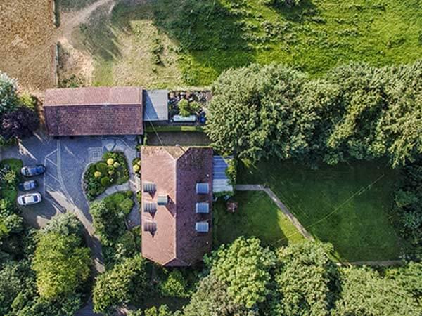 Ferienhaus mit großem Garten im Grünen