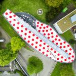 Drohnenbild eines Museums von oben